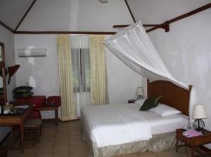 Bungalow innen Madoogali Resort